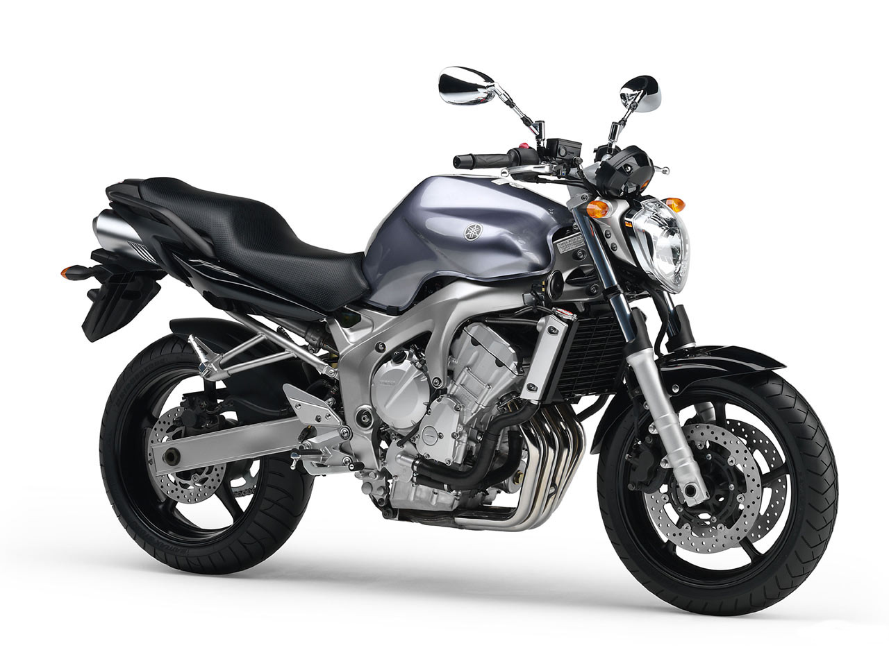 Yamaha FZ6 Photo 1