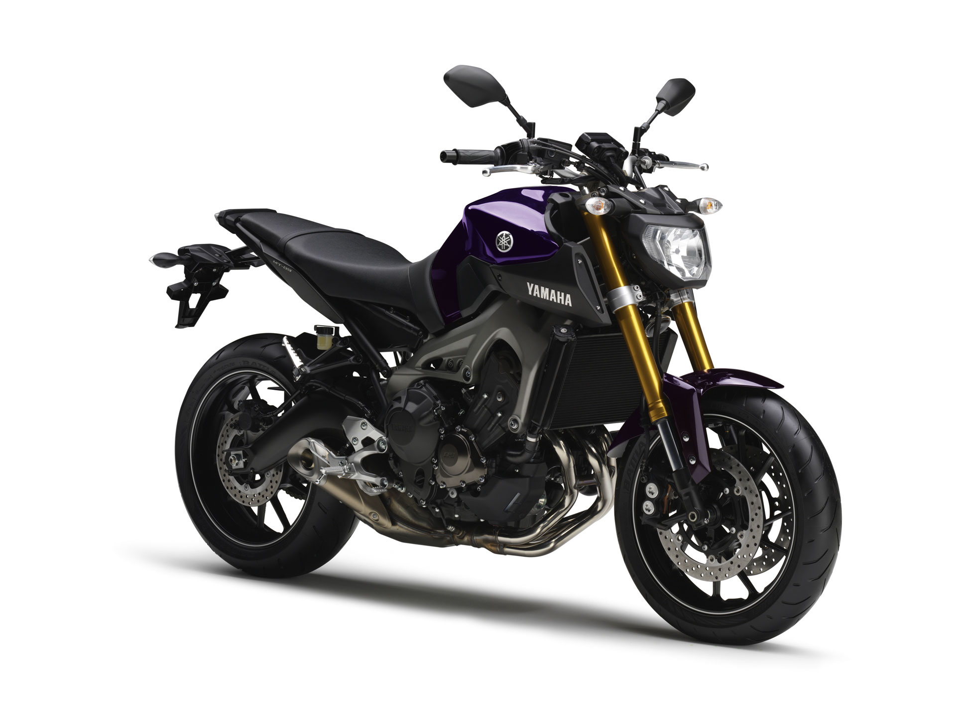 Yamaha MT09 3/4 Droit
