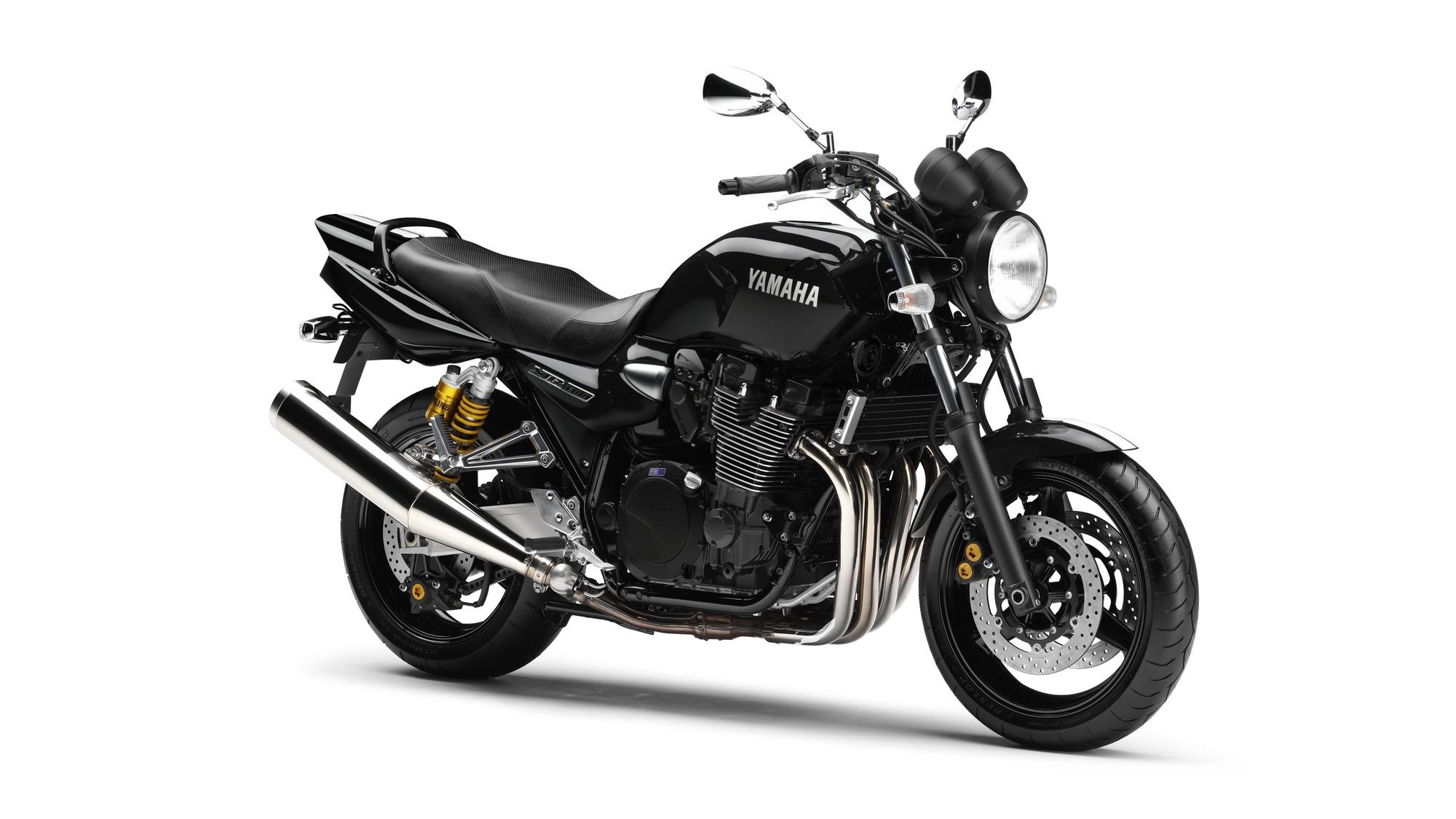 Yamaha XJR 1300 Droite